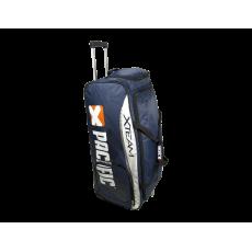 X TEAM Travel Bag (mit Rollen)
